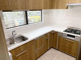 キッチンリフォームデッドスペースだったコーナー部分も収納として使えるL型キッチン