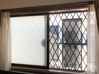 小工事 後付け出来る格子で防犯性を高めた窓