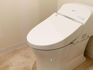 トイレリフォーム お掃除がしやすく高級感のある床になったトイレルーム