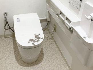 トイレリフォーム キャラクターのシルエットをあしらった癒されるトイレ