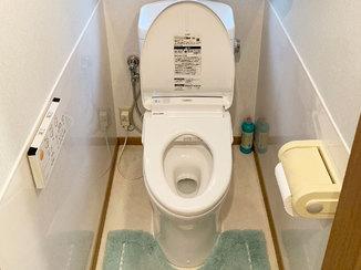 トイレリフォーム 清掃性の高いトイレ&洗面所と、寒さ対策した洋室