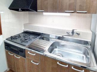 キッチンリフォーム コストを抑えて1日で取り替えたキッチン