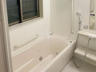 バスルームリフォーム 肩湯・腰湯でリラックスできるお風呂